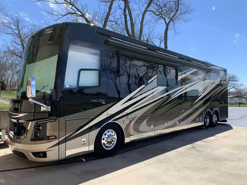 luxury bus 2020