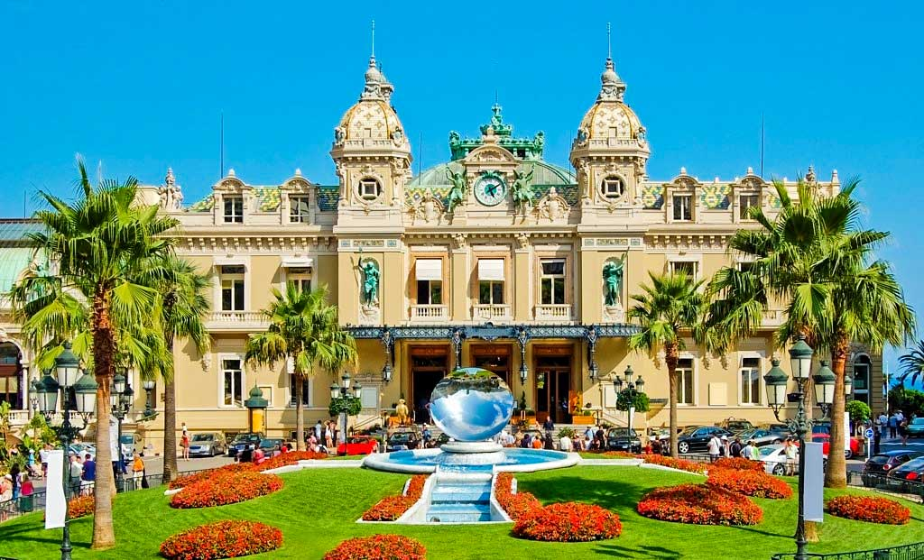 most luxurious countries in the world 2021