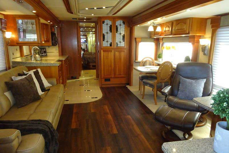 Expensive Luxury Buses in the World - Country Coach Magna 630