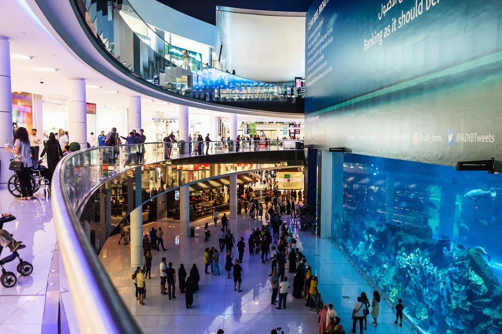 Dubai lifestyle: Luxury Shopping Malls