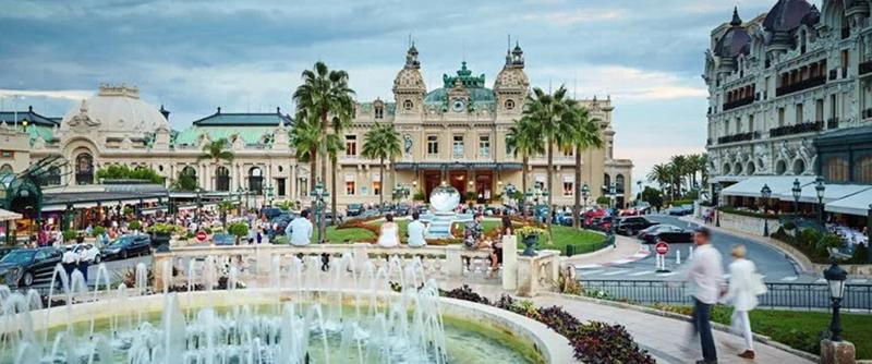 5 Casino Games That Scream Luxury